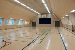 Liikuntasali muotoutuu myös kokous- ja seminaaritilaksi. Paikkoja on 150 hengelle.  - Gym hall is suitable for big meetings and seminars. There is room for 150 persons.